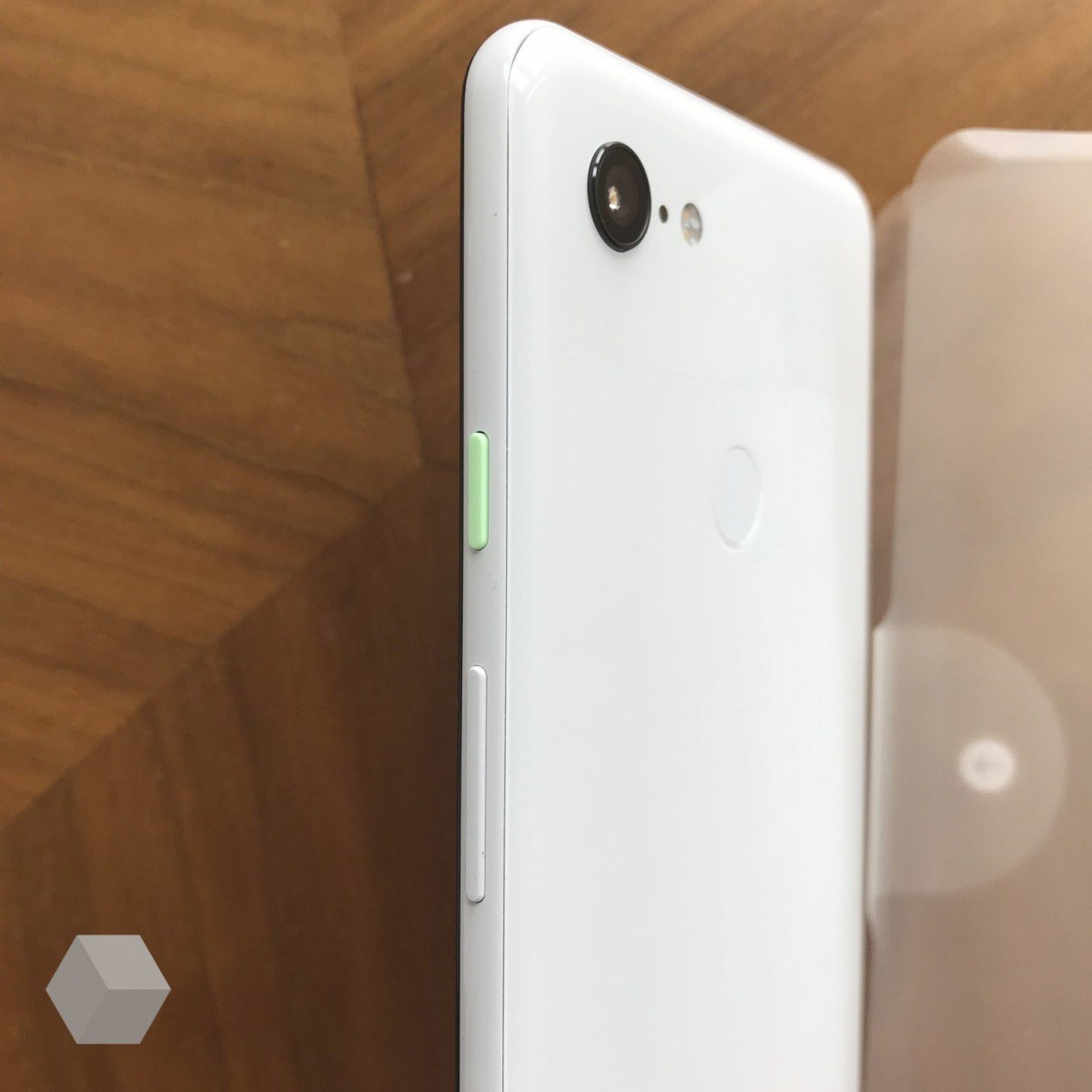 Lateral-Google-Pixel-3-XL.jpg